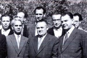 Рудольф Бакитько во втором ряду крайний справа